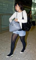 LilyAllenArrivingHeathrowAirport_ugh_no