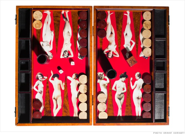 4_nudes_backgammon_board